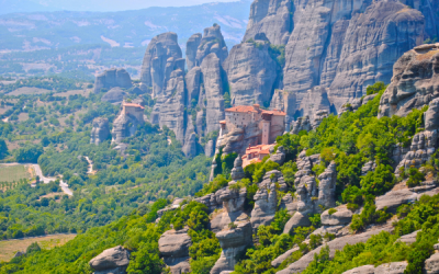Discovering the Meteora Mountains – Blog by Alyssa 2015